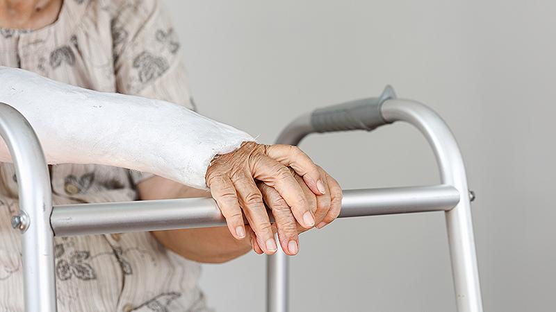 Osteoporoz_zhenskie_bolezni_posle_60_let